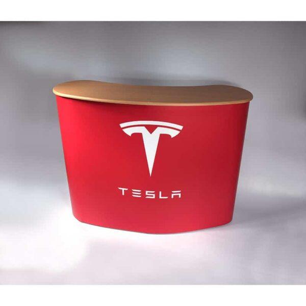 Comptoir d'accueil pour Tesla France