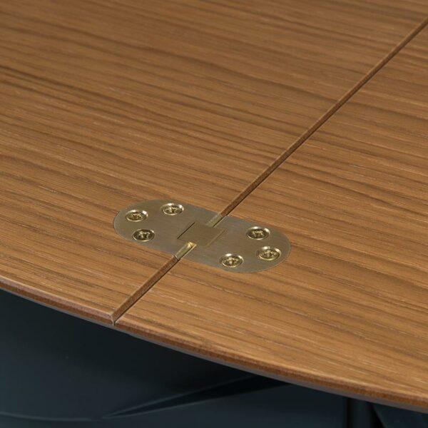 Détail du plateau bois du comptoir avec une finition soignée
