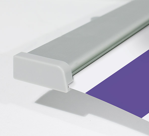 Une finition irréprochable pour ce kit rail porte affiche en aluminium