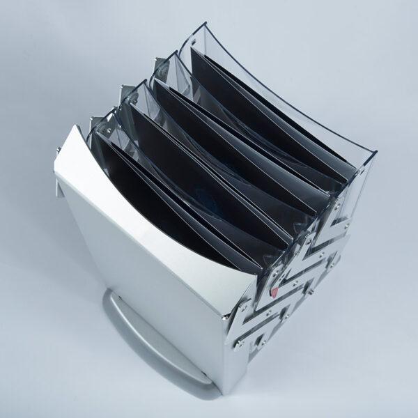 Porte documentation commerciale plié avec les plaquettes intégrées pour le transport